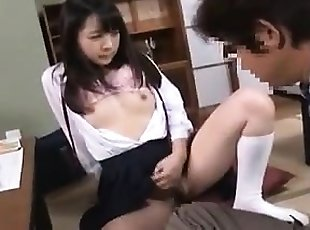 Asian japanese babe with hairy bush is getting waxed