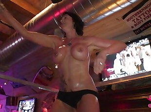 Huge Tits Bike Week Wet T Babes Nude and Uncut Rnd1