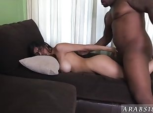 Arab rough Mia Khalifa Tries A Big Black